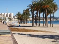 beach-234668_640