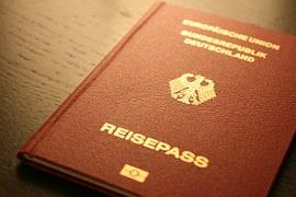 passport-249420__180